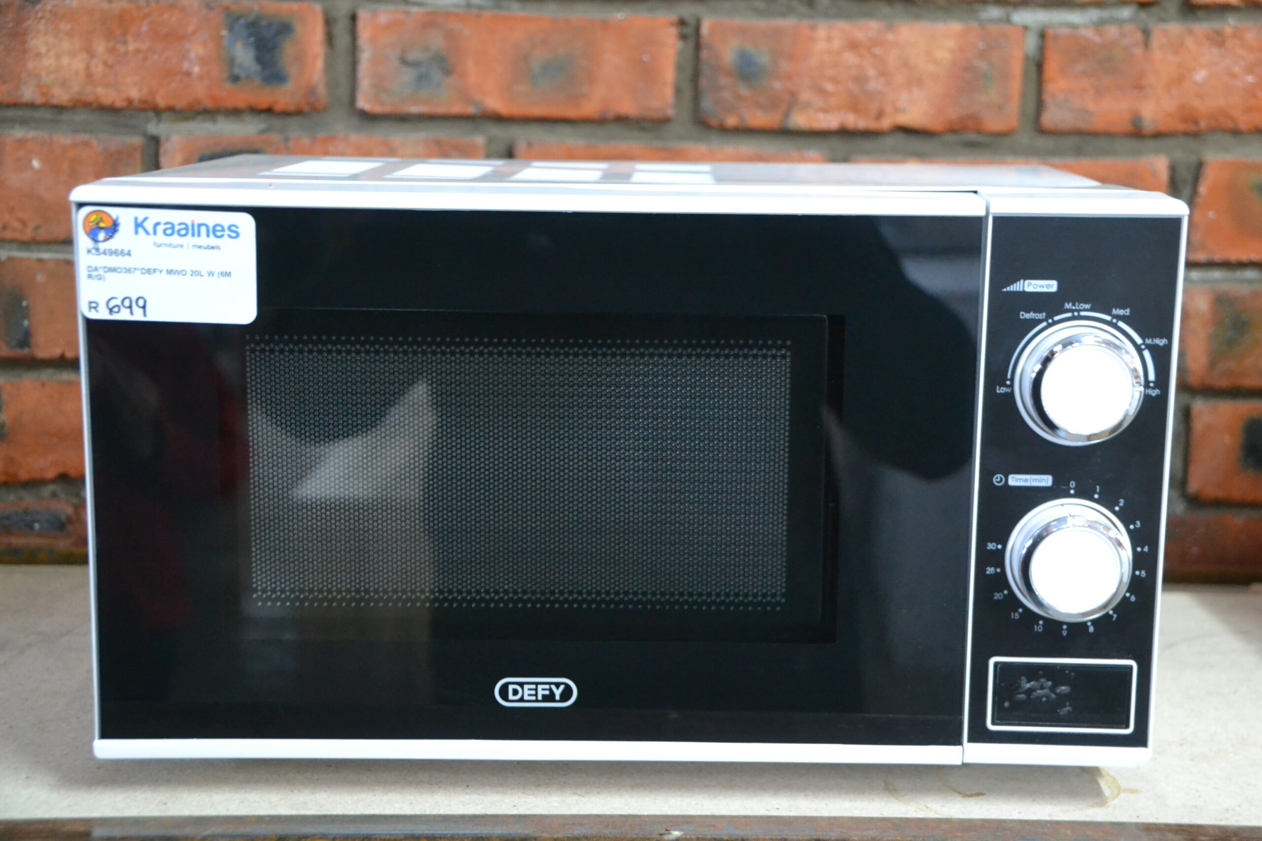 Defy 20 l Microwave 4