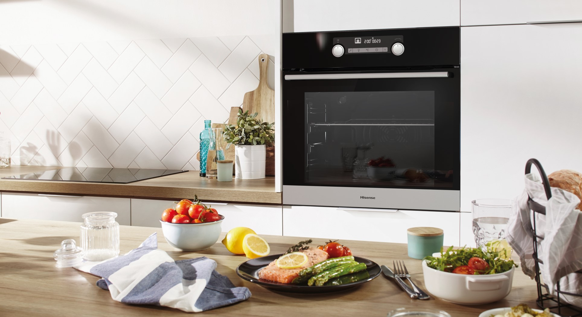 Hisense 600 mm Built-In Oven 3